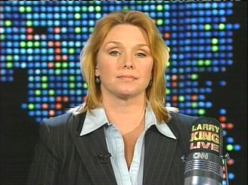 Samantha Geimer, la mujer que fue supuestamente violada por el director de cine Roman Polanski cuando tenia 13 a–os, entrevistada en el programa del periodista Larry King. Ref: VG NP 240203 A Samantha Geimer, who was raped by Hollywood director Roman Polanski when she was 13, speaks out on Larry King Live just a day after Polanski's The Pianist won the BAFTA for Best Movie. Geimer is now asking Oscar voters to vote for the film on its merit and not Polanki's criminal actions. 7/cordon press