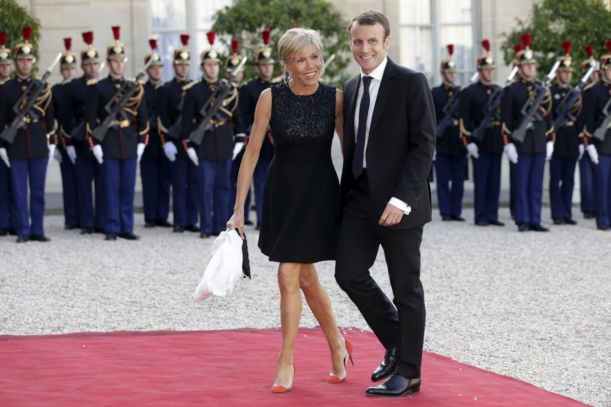 Emmanuel Macron Y Su Peculiar Matrimonio