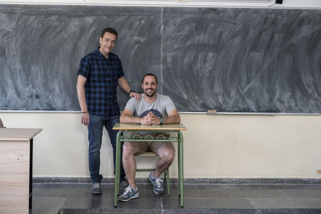 Alvaro tiene TDAH, es montañista y guia de barrancos. Roberto su ex-profesor de la ESO, al cual considera su profesor del cambio. Tema: Su profesor le cambió la vida. Foto: © Carlos Carrión. Todos los derechos reservados.