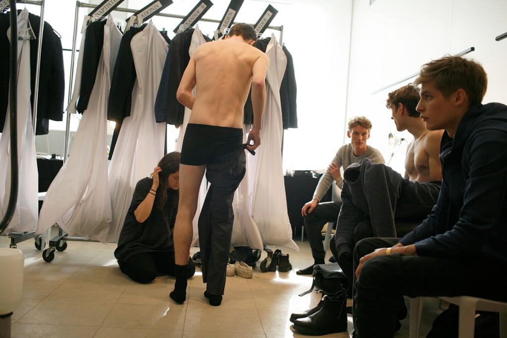 desfile modelos backstage