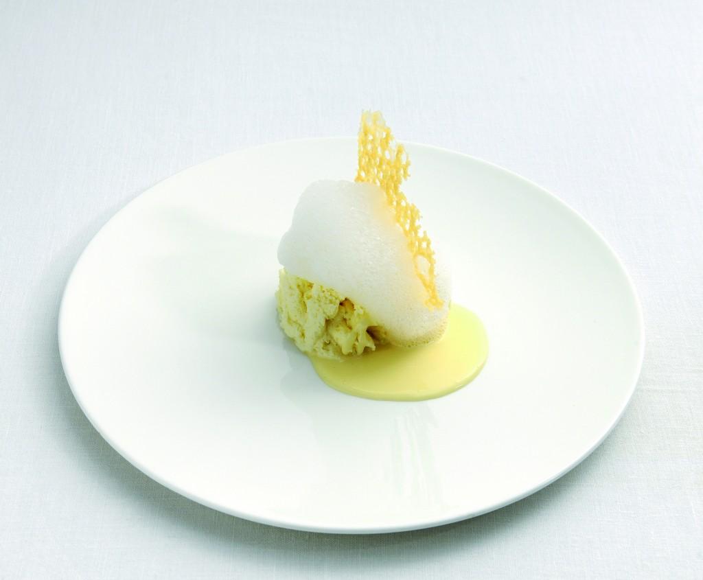 """""""cinco edades del parmesano reggiano"""" Plato que ha evolucionado de tres a cinco texturas de un mismo queso en un mismo plato"""