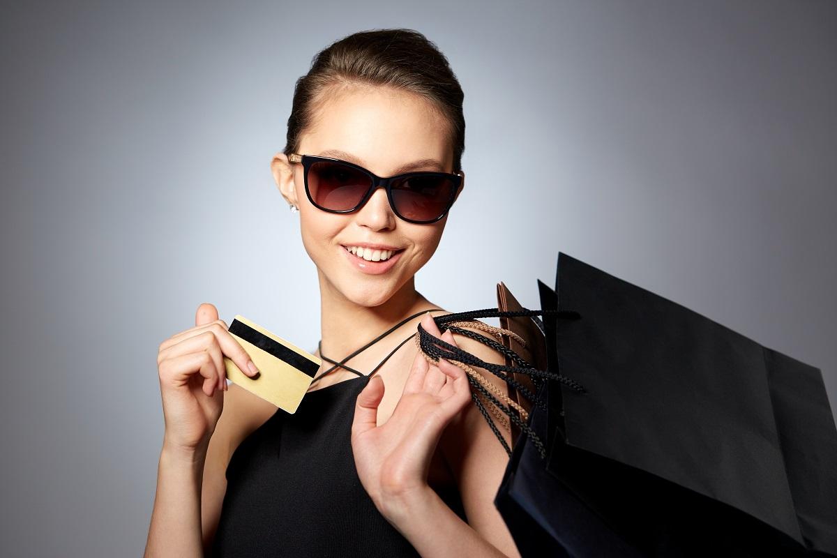 3200a7a76505 Nueva vida al lujo  compra  online  en webs de segunda mano