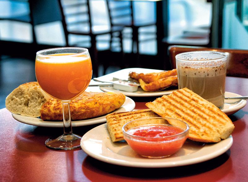 Desayuno Alex Ubago