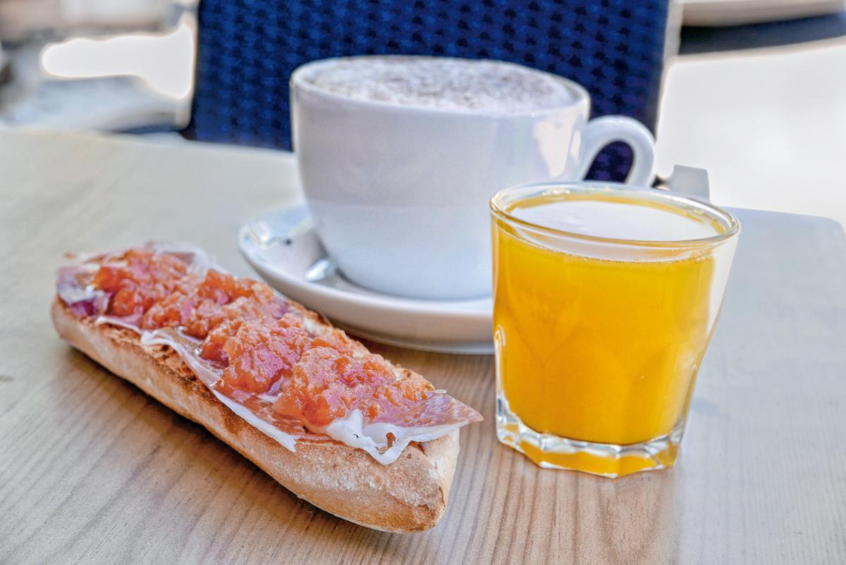 Desayuno Ricardo Gomez