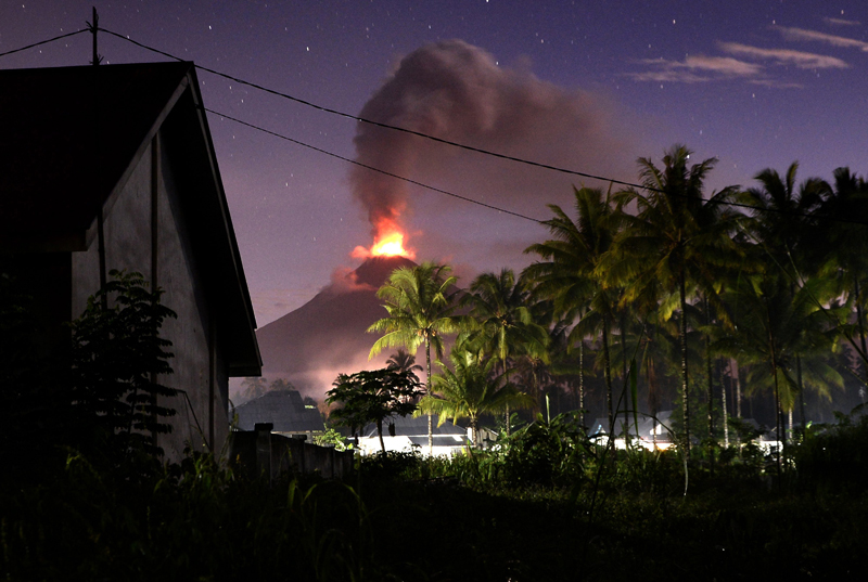 Volcan erupcion Indonesia