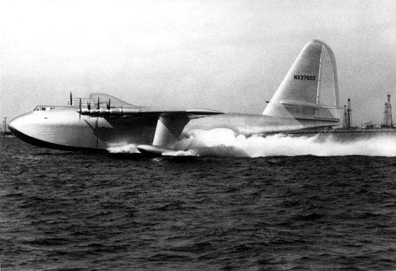 Howard Hughes producto de cine avion