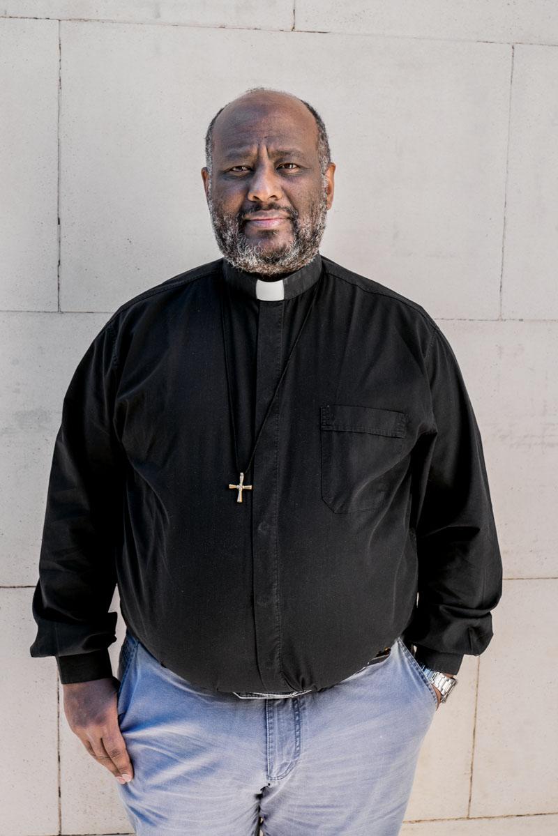 sacerdote acusado de favorecer inmigracion ilegal copia (2)