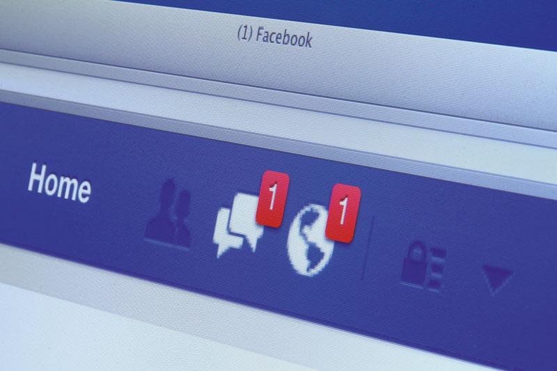 reencuentro antiguas parejas por redes sociales, crisis de los 40