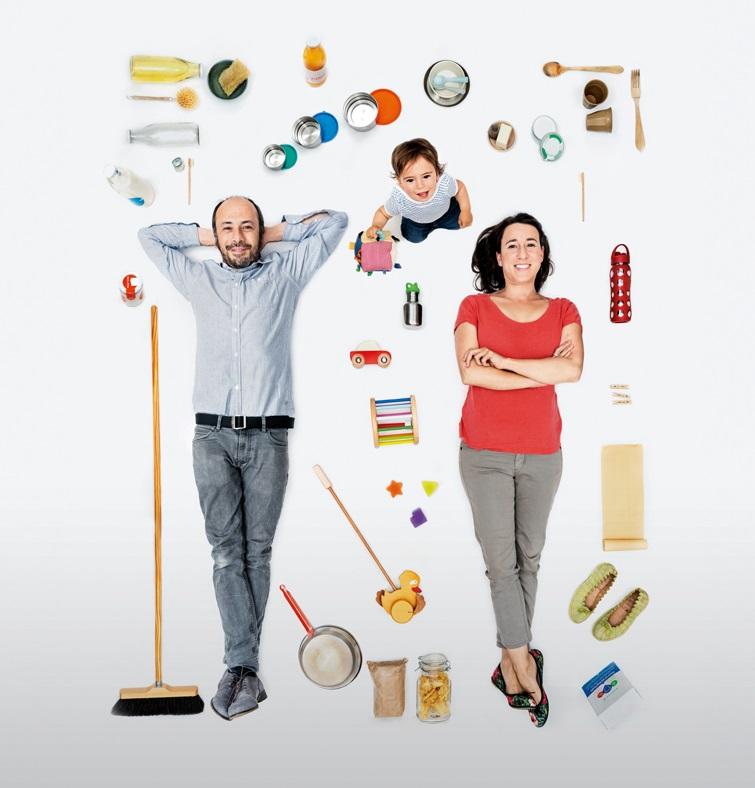 una familia sin productos de plastico