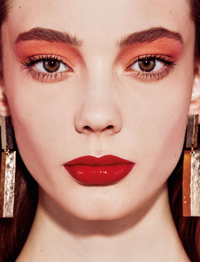 maquillaje ochentero para verano, colores fluor