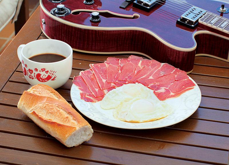 desayuno luis fonsi