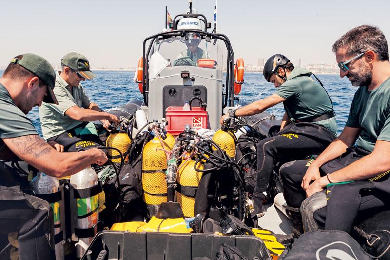 geas policia submarina