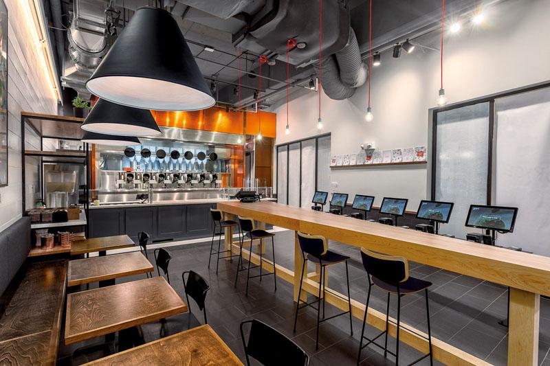 primer restaurante de comida hecha por robots