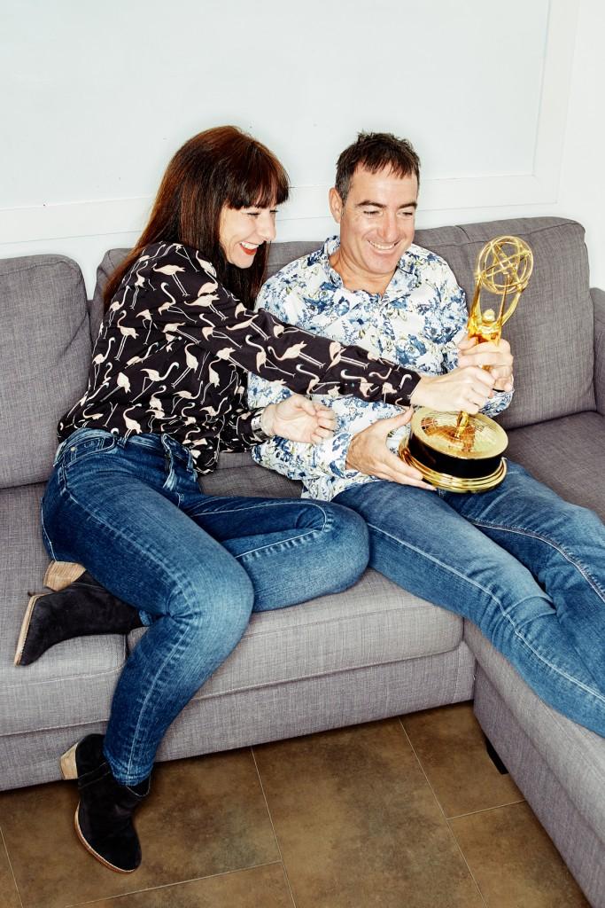 creadores de series espanolas Alex Pina y Esther martinez Lobato