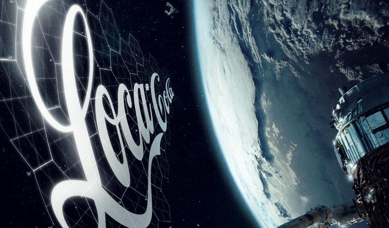 anuncio coca cola espacio. satelite