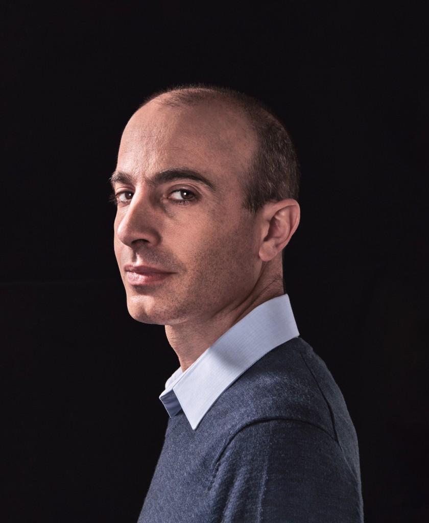 """Yuval Noah Harari: """"Superaremos la pandemia, pero corremos el peligro de despertar a un mundo diferente"""""""